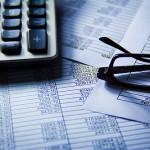 Buďte chytří, využijte služby finančního poradenství a své myšlenky věnujte práci